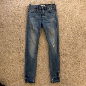 madewell lightly distressed hi-rise skinny jeans